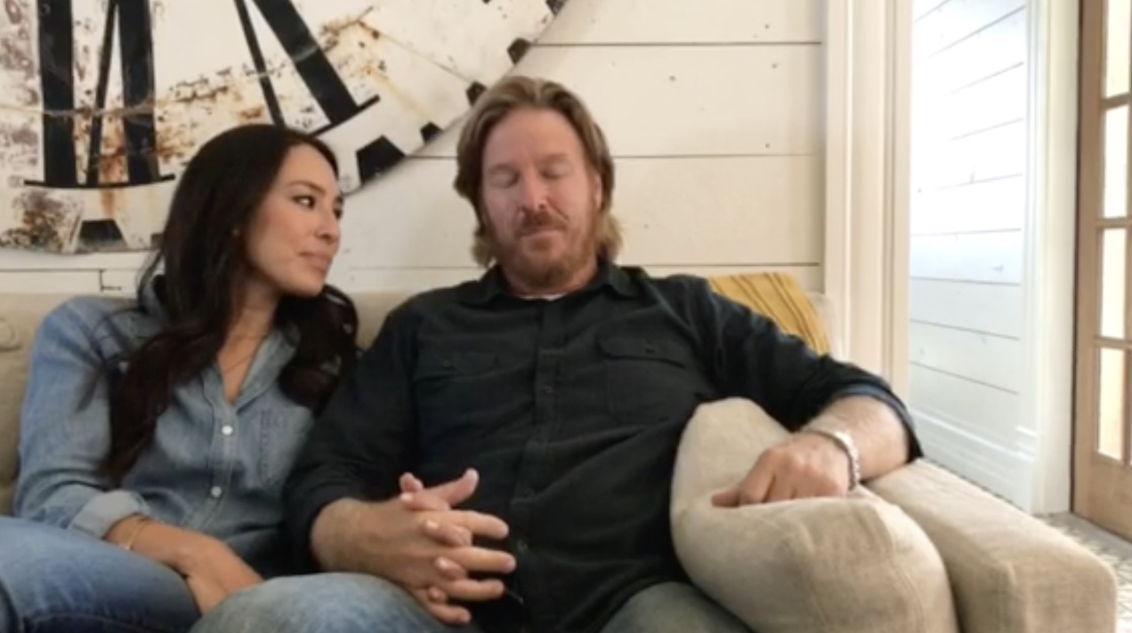chip and joanna gaines divorcing they respond the courage. Black Bedroom Furniture Sets. Home Design Ideas